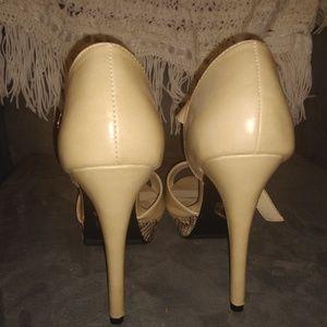 Barely worn/almost new Jessica Simpson heels